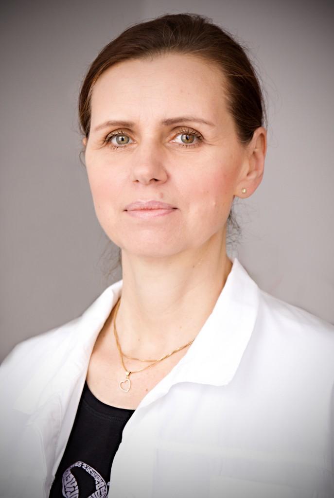 dr_dubravova-687×1024