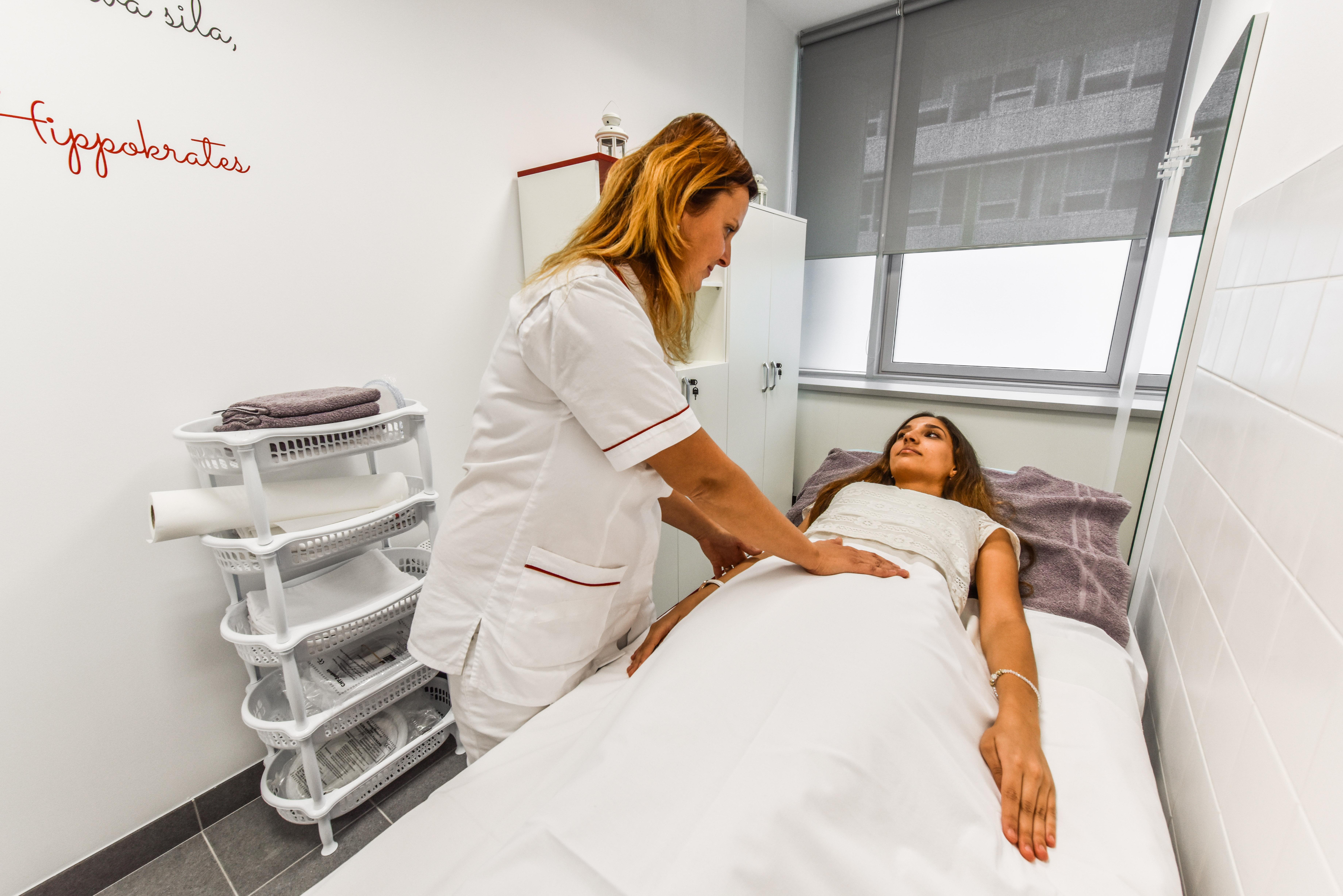 Hippokrates, Detoxikácia a Regenerácia, Hydrocolon terapia, črevná sprcha, črevná sprcha Bratislava, masáže, infúzna terapia vysokodávkovým vitamínom C, Oxygenoterapia,